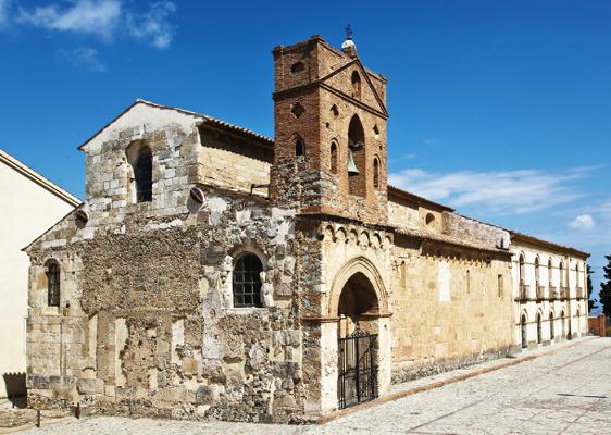 La chiesa di Sant'Adriano e il fascino dei simboli